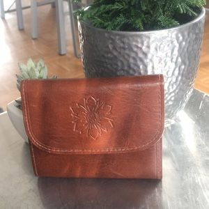Handbags - Glove Cowhide/ Trifold/ Wallet/ NWOT/